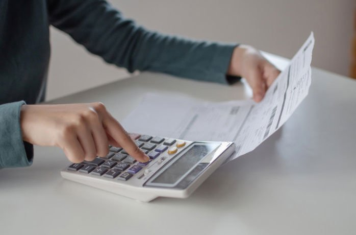 پرداخت عوارض و مالیات واردات